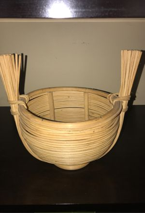 straw bowl for Sale in Calverton, MD