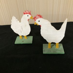 Kitsch Art = 2 Chickens, Thin Plywood W Green Wooden Stands $40 for Sale in Tigard, OR