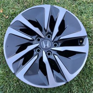"(1) 17"" 2018-2020 Honda Accord Touring Hybrid OEM Wheel for Sale in Los Angeles, CA"