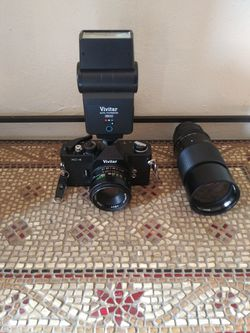Vivitar 1XC / 2800 35mm Camera Plus Auto Thyistor for Sale in Houston,  TX