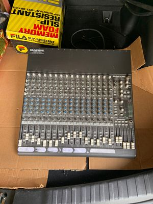 Macklemore 1604-VLZ pro , 16 channel mic/line mixer for Sale in Garden Grove, CA