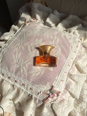 Dulce vanilla perfume for Sale in Kissimmee, FL