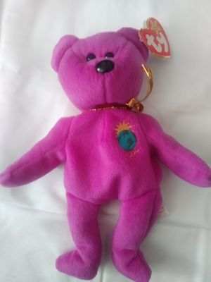 Bennie baby...2000 millennium bear rare misspell on tag& two on hart card, no. red stamp on inside tag..$150 or best offer for Sale in Sacramento, CA