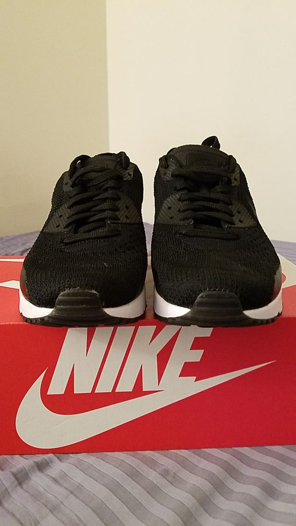 Nike air max flyknit size 8.5