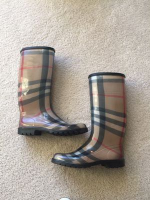 Authentic Burberry rubber rain boots for Sale in Glen Ellyn, IL