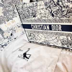 Christian Dior Canvas Tote Bag for Sale in Los Angeles, CA