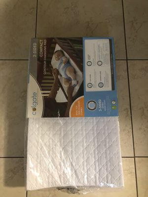 3 side compact contour changing pad for Sale in Miami, FL