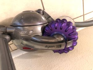 DYSON Vacuum Cleaner $300 at retail for Sale in Houston, TX