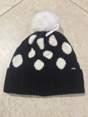 Old Navy Toddler Girl's Faux-Fur Polka Dot Pom-Pom Beanie, Size Medium for Sale in San Diego, CA