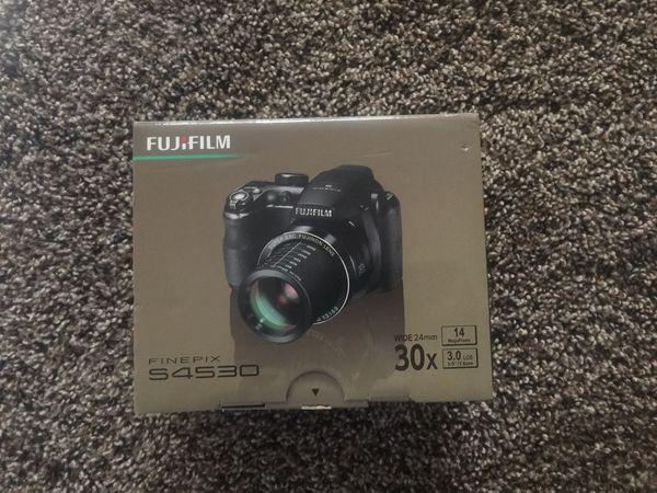 Fuji film fine pix s4530