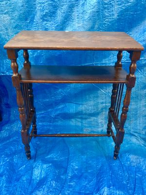 Antique small desk for Sale in E RNCHO DMNGZ, CA