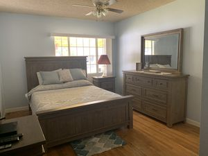 4 piece Bedroom set , electric base , almost new mattress included for Sale in Whittier, CA
