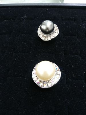 Pearl adjustable ring for Sale in Houston, TX