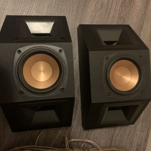 Two small Klipsch speakers for Sale in Brooklyn, NY
