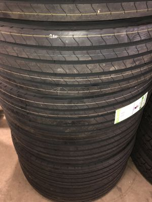 Tire 295/75R22.5 200 for Sale in Fontana, CA