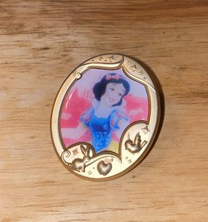 Disney Princess Portrait Snow White Mystery Collection Gold Frame Pin for Sale in Glendale, AZ