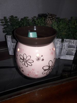Scentsy Doodlebud Flowers warmer for Sale in Fort Worth, TX