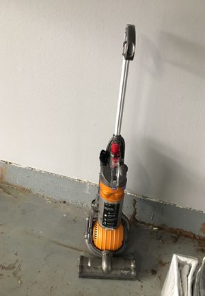 Dyson ball vacuum - needs maintenance for Sale in Glendale, CA