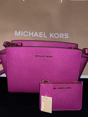 Michael Kors Selma Crossbody & Coin purse (NWT) for Sale in San Antonio, TX