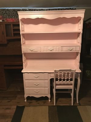 Kids PinK Desk for Sale in Fort Worth, TX