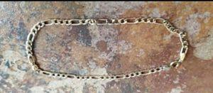 "10K yellow gold Figaro chain bracelet 8"" long. for Sale in Lake Stevens, WA"