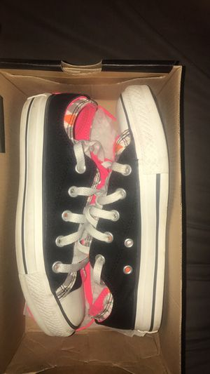 Woman's black/neon pink Converse for Sale in Baltimore, MD