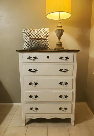Drexel Solid Wood Farmhouse Shabbh Chic Distressed 5 Drawer Dresser / Chest of Drawers for Sale in Scottsdale, AZ