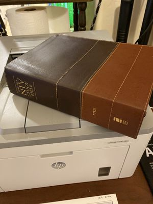 NIV Study Bible by Zondervan Staff (2008, Leather, Revised) for Sale in Queen Creek, AZ