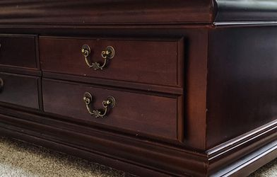 Coffee Table with Storage Drawers for Sale in Gig Harbor,  WA