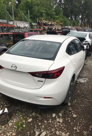 Selling parts for a white 2014 Mazda 3 for Sale in Detroit, MI