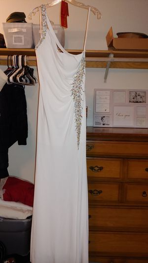 Ivory wedding dress size 10 fits like a 8 for Sale in Kennewick, WA