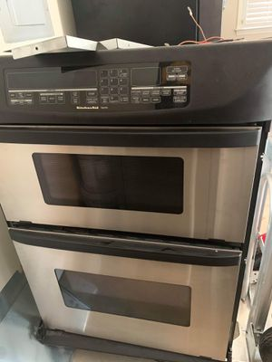 Selling double oven kitchen aid works perfectly fine. for Sale in Raleigh, NC