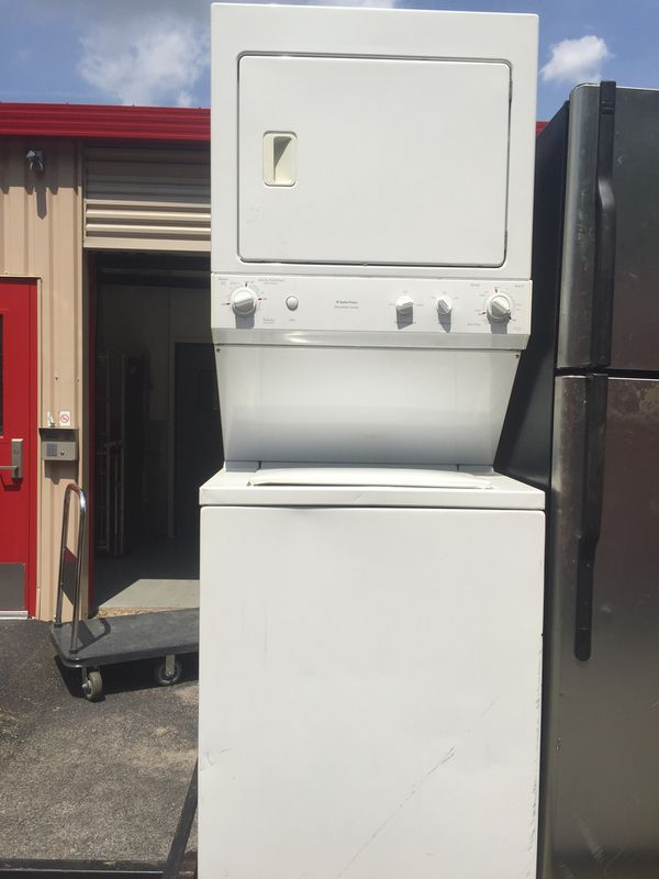 GE stackable Washer/Dryer (GE WSM2700DAWWW)
