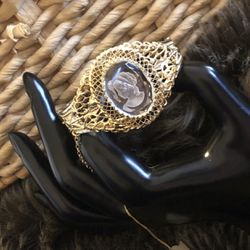 Vintage Whiting & Davis intaglio cameo bracelet for Sale in Henderson,  NV