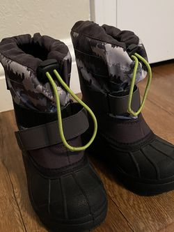 Kids Snow/Water Shoes for Sale in Tustin,  CA