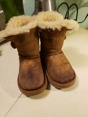 UGG BOOTS FOR GIRL for Sale in Graham, NC
