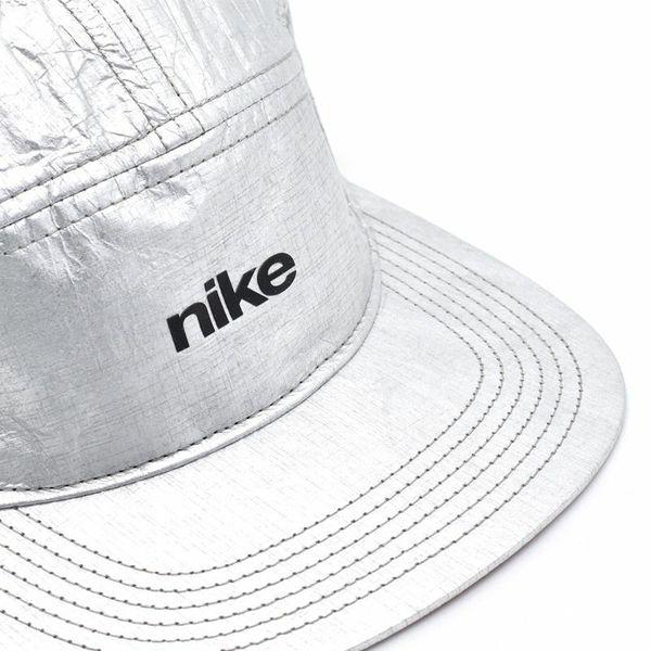 ***NIKE***