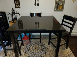 Kitchen Table with Chairs $75 for Sale in Tacoma, WA