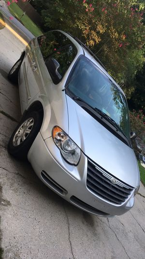 2007 Chrysler town&country for Sale in Lawrenceville, GA