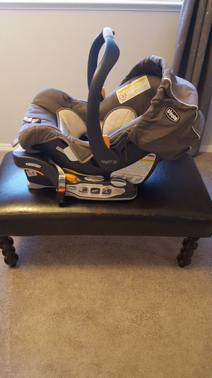 Infant Car Seat for Sale in Clovis, CA