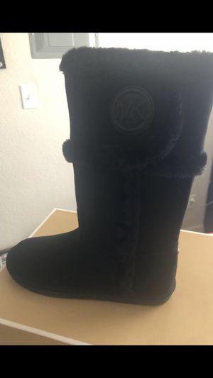 Michael Kors Boots Size 4 new for Sale in Phoenix, AZ