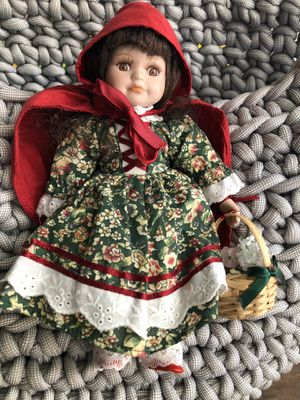 Royalton collection red hood doll for Sale in Hollywood, FL