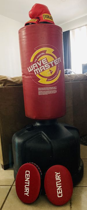 Punching/kicking bag with gloves and hand bags for Sale in Fort McDowell, AZ