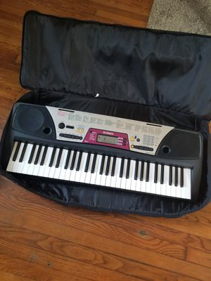Full size Yamaha keyboard with case for Sale in Tampa, FL