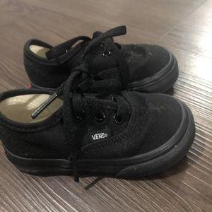 Size 5 Toddler Black Vans for Sale in Hudson, NH