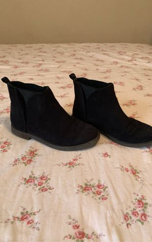 Girls black old navy boots size 1 for Sale in San Antonio, TX