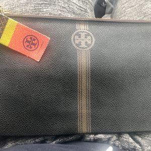 Authentic NWT Tory Burch Leather Pouch for Sale in Shrewsbury, MA