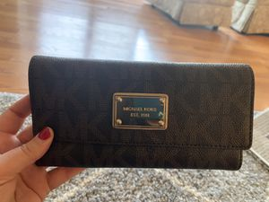 Michael Kors wallet and wristlet for Sale in Hamilton Township, NJ