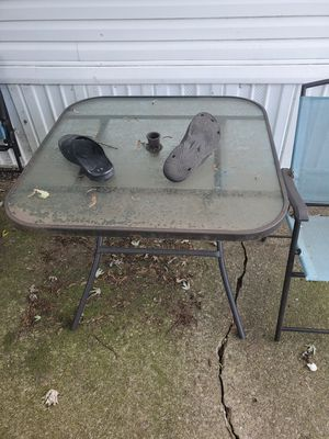 Table and 4 chairs for Sale in Peoria, IL