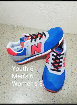 New Balance Mens 6/ Womens 8 for Sale in Moreno Valley, CA